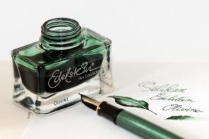 Edelstein-Olivine